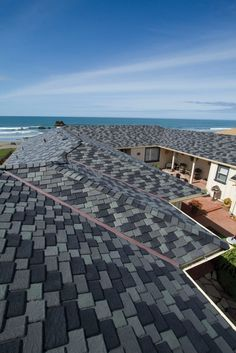 Selecting roofing colors that complement the rest of the home's exterior - DaVinci Roofscapes