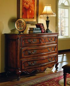 French Country Style Hallways | French Country Style Chest of Drawers