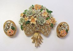 VINTAGE 1950s SIGNED LISNER ENAMEL FLOWER BROOCH & EARRING SET GOLDEN FRAMES #LISNER