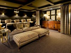 Google Image Result for http://www.divhouse.com/wp-content/uploads/2011/05/Home-Theater-Decorating-Ideas-Luxury-Designs-9.jpg