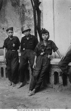 Cadets de la Milice d'autodéfense à Nam định-1954