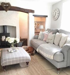 ♡🌸 is it Friday yet? 😬🙈 Throwing it back to a couple of days ago when our living room was a lot more presentable {definitely doesn't look… Cottage Living Rooms, Living Room Sofa, Home And Living, Living Room Furniture, Small Living, Living Room Decor Grey Sofa, Country Cottage Living Room, Rustic Cottage, Snug Room