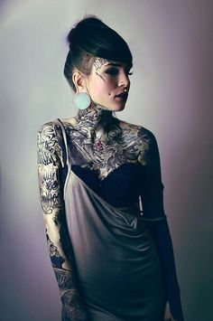 Monami Frost -She looks ahh-mazing! (*´˘`*)♡ I love all her tattoos and she is so pretty! (^ー^)