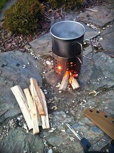 Praktyczna kuchenka turystyczna. Jak zrobić? survival kuchenka z puszki kuchenka turystyczna kuchenka survivalowa gotowanie DIY
