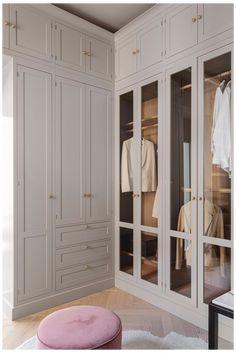 Bedroom Built In Wardrobe, Wardrobe Room, Bedroom Closet Design, Master Bedroom Closet, Closet Designs, Home Room Design, Home Interior Design, Wardrobe Designs For Bedroom, Glass Wardrobe