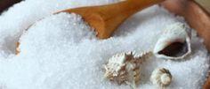 Banho de descarrego com sal grosso e vinagre para lavar a alma e recuperar energias positivas.