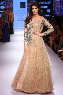 Kriti Sanon looked stunning as the showstopper wearing a gown. Seen at Lakme Fashion Week 2015 Pakistani Couture, Indian Couture, Pakistani Outfits, Star Fashion, Indian Fashion, Fashion Show, Fashion Styles, Fashion Ideas, Fashion Inspiration