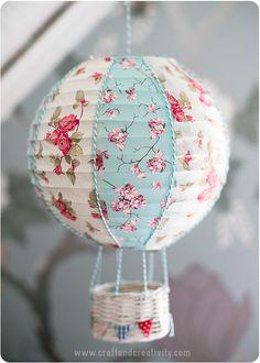 Rislampa blir luftballong - Pysseltips - Make & Create Hot Air Balloon Paper Butterflies, Paper Flowers, Tape Crafts, Diy Crafts, Room Deco, Papier Diy, Balloon Crafts, Do It Yourself Inspiration, Basket Crafts