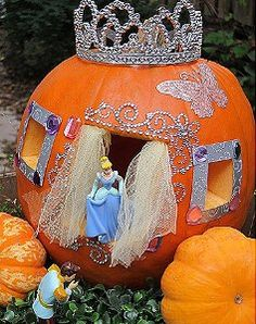 Cinderella's Pumpkin Coach ~ Maybe it's a little over the top, but for a little girl in love with Cinderella ... I think it's perfect & cute to boOt!