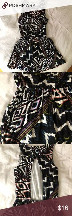 ASOS open back print romper RESORT SZ XS Fun print for those winter vacations coming up. It's a size US 6/uK10 but fits a size 0 perfectly. It fits perfectly if you're a small  frame. True to size. Moving and downsizing closet. Everything must go! Please check out all my other styles too! ASOS Pants Jumpsuits & Rompers