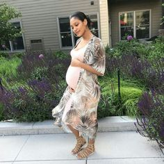Cute Maternity Outfits, Maternity Pictures, Maternity Fashion, Cute Outfits, Pregnancy Goals, Pregnancy Outfits, Baby Bump Style, Mommy Style, Pretty Pregnant