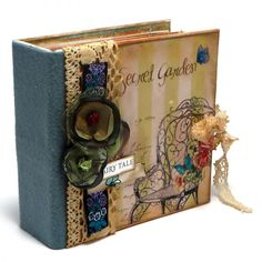 Album handmade pentru Craciun - Cadoul de Craciun - Cadouri de la Kadoly.ro - Cadouri personalizate Album, Decorating, Handmade Gifts, Books, Decor, Kid Craft Gifts, Decoration, Libros, Craft Gifts