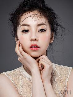 배우 안소희가 전하는 스프링 립 메이크업 공식  Daum라이프