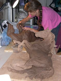 icu ~ Work work work work work in 2019 Horse Sculpture, Sculpture Clay, Animal Sculptures, Anatomy Sculpture, Acrylic Pouring Art, Work Horses, Horse Drawings, Equine Art, Horse Art
