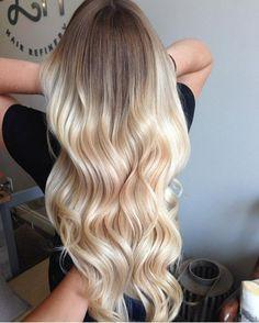 helles blond langes gewelltes haar ombre