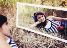 unique Senior Pictures Ideas For Girls | Utah Senior Pictures | Portrait Photography | Teens Photos | Frosted ...