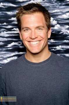 Michael Weatherly has the most dreamy smile. I could just melt!!