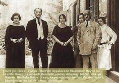 Atatürk Latife Hanım ailesiyle birlikte.