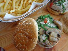 Hamburguer com malagueta, rúcula e queijo de cabra | por Prato Caseiro | feito com o nosso piri-piri fresco