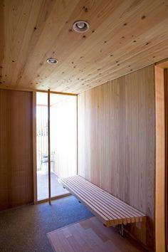尾日向辰文建築設計事務所 の オリジナルな 廊下&階段 安曇野の平屋の家