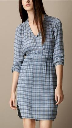 c8dbee03b7c586 Burberry Silk Crepon Dress of Brit