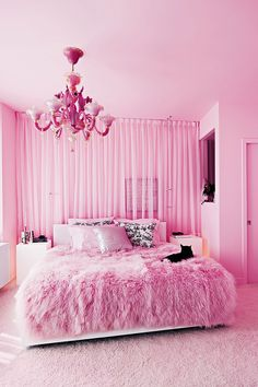 A pink overload that manages to feel refined and elegant.