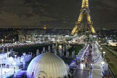 Paris Xmas, Christmas , Kerst, Noël. Market Trocadero Eiffel Tower  Tour Eiffel  Eiffeltower
