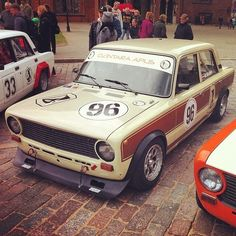 fixed gallery : Photo Fiat 128, Lada Drift, Car Colors, Abandoned Cars, Car Tuning, Small Cars, Rally Car, Car Brands, Car Humor