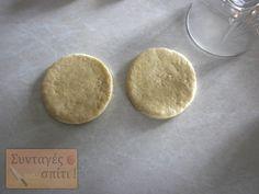 Τυροπιτάκια με σπιτική ζύμη κουρού - Νόστιμες Συνταγές Food, Essen, Meals, Yemek, Eten