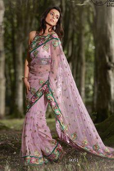 POW9051 What a gorgeous dress..