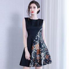 Embroidered Dress High Waist Skirt Women's Clothing – Swim Swipe Source by dresses Simple Dresses, Elegant Dresses, Casual Dresses, Short Dresses, Fashion Dresses, Formal Dresses, Formal Dress Patterns, Dress Batik Kombinasi, Batik Fashion