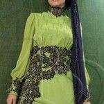 muslim girl green dress with lace Green Fashion, Modern Fashion, New Hijab Style, Hijab Dress, Muslim Girls, Abaya Fashion, Green Dress, Fashion Models, Lace Dress