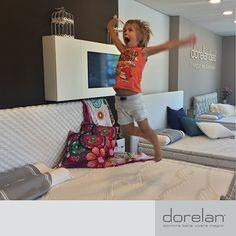 - Ciao Ombretta, buongiorno!  - Buongiorno e benvenuti a Mantova! Vi presento mio fratello Ilario e mio nipote Andrea.  Lo riconoscete? E' il bambino che giocava felice su un materasso Dorelan nella foto vincitrice!   #intervista #paroladiconsulente #emozionidorelan #benessere #sonno #riposo #blog #Dorelan #Dorelanbed #Mantova