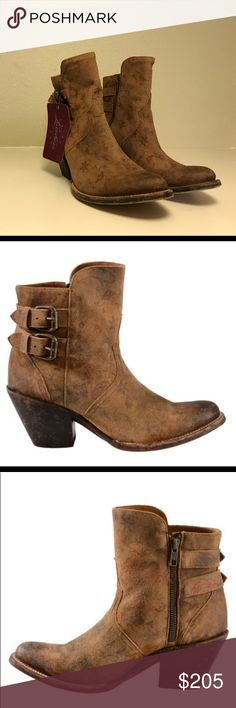 """Lucchese Handmade 1883 Women's Catalina Booties NEVER BEEN WORN NWTGenuine distressed calf leather upper Round toe Dual ankle straps with metal buckles Durable leather outsole 2 1/2"""" fashion heel 6"""" shaft height Handmade in Mexico since 1883  Lucchese has been handcrafting boots for cowboys and cowgirls since 1883. Their time-tested tradition of handcrafting each boot with expert craftsmanship is evident in the Catalina. This ladies' ankle bootie is made of genuine, distressed calf leather…"""