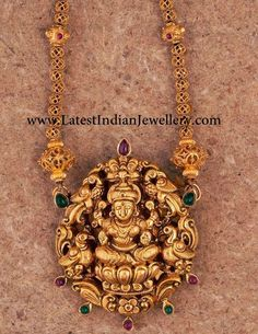 Temple Jewellery with Nakshi Pendant