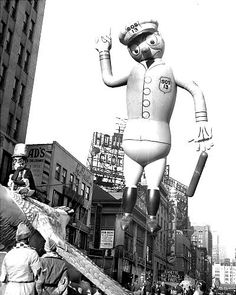 Macy's Thanksgiving Parade Balloons Since 1927  1947 Harold the Police Officer