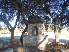 Hornacina en el jardin de la Ermita de San Sebastian.