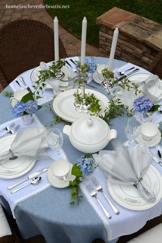 Tying the Knot Tablescape | homeiswheretheboatis.net #tablescape