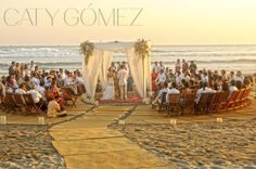 Plan your beach wedding's timing right - the ceremony should take place right before sunset so you can have the most amazing pictures and memories. www.catygomez.com