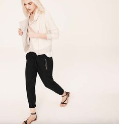 Love these Zip-Pocket Pants from Lou & Grey Casual Maternity Outfits, Casual Outfits, Black Jogger Pants, Grey Outfit, Fall Wardrobe, Get Dressed, Black Jeans, Zip, My Style