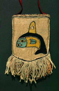 TLINGIT CHILKAT WOVEN POUCH REPRESENTING A KILLER WHALE