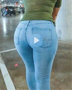 Ripped Leggings, Girls In Leggings, Girls Jeans, Curvy Jeans, Sexy Jeans, Denim Flare Jeans, Skinny Jeans, Short Pants Girl, Cowgirl Jeans