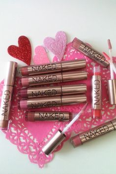 Urban Decay Naked Lipgloss - Naked Palette Para a lista de compras da próxima viagem! All Things Beauty, Beauty Make Up, My Beauty, Hair Beauty, Beauty Box, Love Makeup, Makeup Looks, Lipgloss, Lipsticks