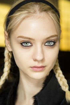 How to recreate the hair at Marc by Marc Jacobs