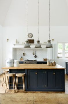 3 Incredible Useful Tips: Small Kitchen Remodel Design kitchen remodel pictures open shelves.Old Small Kitchen Remodel. Devol Kitchens, Home Kitchens, Farmhouse Kitchens, Small Kitchens, English Kitchens, Kitchens With Color, Kitchen Ideas Color, Modern Country Kitchens, Farmhouse Sinks