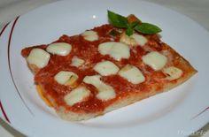 Pizza margherita, scopri la ricetta: http://www.misya.info/2007/04/28/pizza-margherita.htm