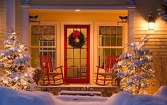 cozy cottage porch at Christmas. I love porches! Cottage Christmas, Christmas Porch, Christmas Time Is Here, Outdoor Christmas Decorations, Christmas Love, Country Christmas, Winter Christmas, All Things Christmas, Christmas Lights