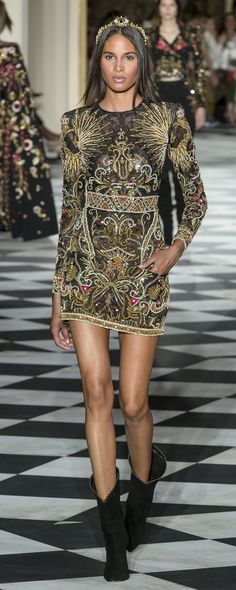 Zuhair Murad Herbst-Winter – Couture – www. Fashion 2018, Runway Fashion, High Fashion, Fashion Show, Fashion Tips, Fashion Design, Womens Fashion, Zuhair Murad, Style Haute Couture