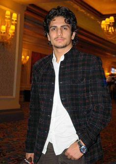 Can you believe this is Akbar from Zee Tv's JODHA AKBAR