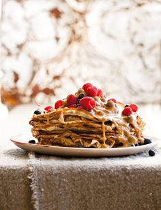Pannekoek met karamelsous from SARIE Tasty Pancakes, Pancakes And Waffles, No Bake Desserts, Dessert Recipes, Hot Cross Buns, South African Recipes, Small Cake, Make Ahead Meals, Freezer Cooking